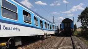 Při srážce vlaků v Horažďovicích na Klatovsku se zranilo 50 lidí