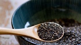 Uzobávání zdravých semínek? Nadměrná konzumace může skončit operací.