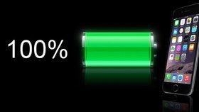 Apple snižuje výkon některých starších iPhonů, prý kvůli baterii.