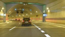 První řidiči v novém pražském tunelu Blanka