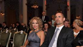 Lucie Vondráčková žije v kanadském Montrealu s manželem, hokejistou Tomášem Plekancem.