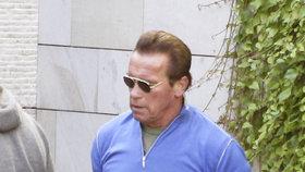 Schwarzenegger si jednu chlopeň nechal vyměnit už v roce 1997, lékaři to tehdy nepovažovali za nutné, to ale jeho rozhodnutí nezměnilo, operace by byla nutná později a hrdina akčních filmů ji chtěl podstoupit, dokud je ještě mladý.
