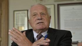 Exprezidetn Klaus okomentoval pro Blesk Zemanovu návštěvu v USA, ale i uprchlickou krizi.