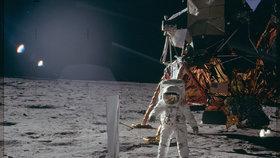 NASA na internetu zveřejnila 10 000 fotografií z misí Apollo