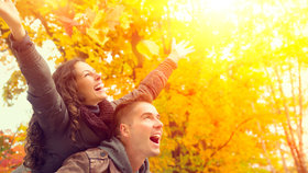 Na podzim zahřeje jen láska