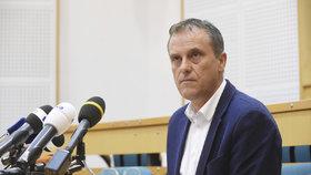 Olomoucká kauza: Hejtman Rozbořil a další obvinění u Ústavního soudu neuspěli.
