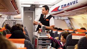Travel Service ruší u letů do tří hodin občerstvení zdarma.