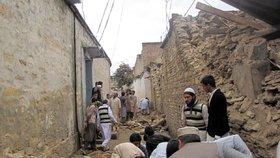 Pákistán a Afghánistán zasáhlo silné zemětřesení.