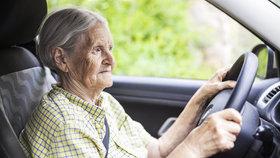 Na českých silnicích za letošní první pololetí v důsledku dopravních nehod zemřelo 59 seniorů, nejvíce od roku 2008. (ilustrační foto)