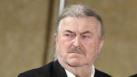 Medaili Za zásluhy dostal i písničkář a malíř František Ringo Čech. Zeman podle něj volil správně.