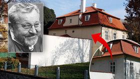 Z vily slavného umělce Jana Wericha zmizelo okno! Zásah do památky památkáři obhajují.