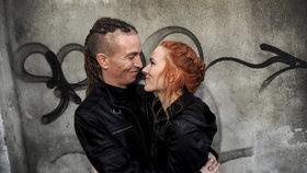 Pirát Ivan Bartoš s manželkou Lydií