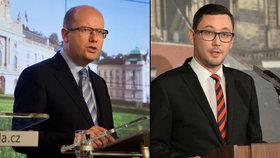 Kam až to zajde? Prezidentův mluvčí Jiří Ovčáček (vpravo) tvrdě kritizuje premiéra Bohuslava Sobotku (ČSSD).