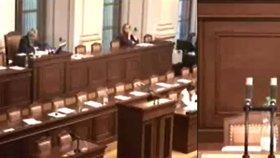 Prázdno ve sněmovně 26. 11. 2015: Písemné interpelace členy Sobotkovy vlády netáhly.