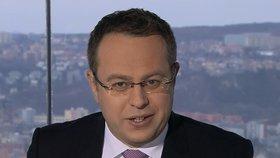 Moderátor Moravec vysvětluje, co způsobilo evakuaci Žižkovské věže během jeho pořadu.