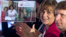 Jitka Chalánková na sněmu TOP 09, kde se stala místopředsedkyní strany. Krátce na to začala po internetu kolovat její fotka u stánku Islám v ČR nechceme.