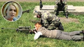Poslankyně Černochová se ze strachu z výhrůžek začala učit střílet.