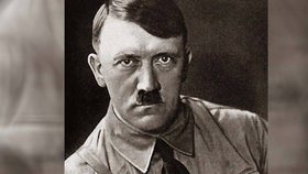 Adolf Hitler měl údajně jen jedno varle.