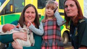 Malá Emma zachránila život mamince i bráškovi.