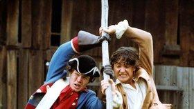 S čerty nejsou žerty (1984) - Dlouhý měl bitku s vojáky dokonale nacvičenou.
