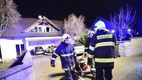 Hasiči zasahovali u požáru domu v Třebotově.