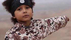 Odborníci se domnívají, že džihádista junior je Isa.