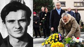 Karel Schwarzenberg a Miroslav Kalousek u hrobu Jana Palacha (15. 1. 2016)
