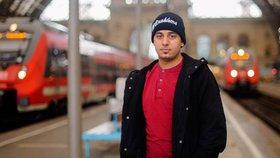 Kamal odešel do Evropy proto, aby měl možnost dokončit studium matematiky.