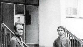 Jiří Markovič při rekonstrukci činu s vrahem Jiřím Strakou