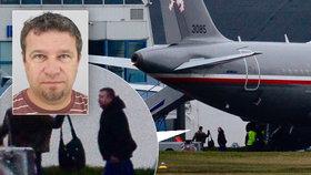Vrátil se snad společně s pěticí Čechů z Libanonu i unesený Čech v Libyi Pavel Hrůza?