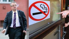 Poslanec Marek Benda byl ve výboru proti vyhnání kuřáků z restraurací. Ovšem sám.