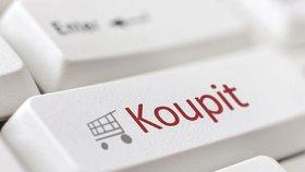 Češi nakupují přes české e-shopy neustále. Těch zahraničních se bojí.