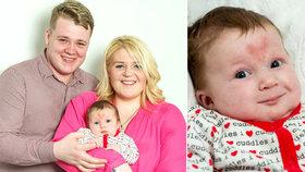 Malá Poppy-Rae má mateřské znaménko ve tvaru srdíčka. Rodiče ji počali o Valentýna.