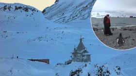 Patriarcha Kiril mezi tučňáky: Na Antarktidě sloužil mši.