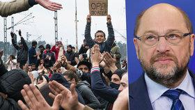 Šéf europarlamentu Martin Schulz tvrdí, že uprchlické kvóty nejsou mrtvé.