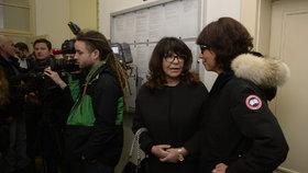 Soud kvůli Zemanovu Peroutkovi: Kaslovou podpořila celá rodina. Manžel i dcera