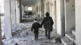 V Sýrii verbují podle organizace Save The Children jako dětské vojáky už osmileté děti.