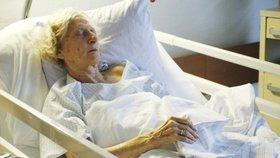 Češi chtějí umírat doma, 4 z 5 skončí v nemocnici (ilustrační foto)