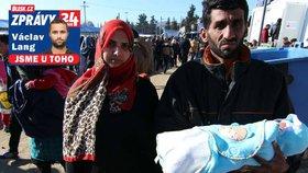 Iráčan Amar v uprchlickém táboře Idomeni s rodinou