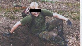 Hledač pokladů Denis B. dříve působil jako elitní voják.