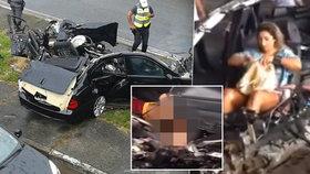 Po šílené bouračce skončilo BMW na odpis. Řidič byl mrtvý na místě, ženě se jako zázrakem nic nestalo.