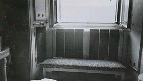 Z tohoto okna Jan Masaryk vypadl