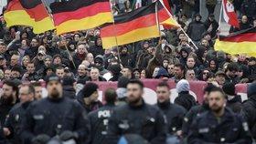 Německo nezakázalo krajně pravicovou stranu NDP.