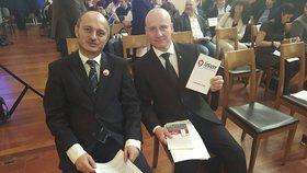 """Miroslav Lidinský, šéf Úsvitu (vpravo) a Martin Konvička, """"superlídr"""" pro nadcházející volby a šéf Bloku proti islámu (vlevo)."""