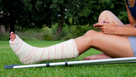 Řídnutí kostí už neohrožuje seniorky: Osteoporózou trpí stále mladší ženy.
