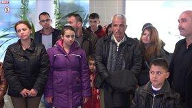 Rodina iráckých křesťanů se nakonec rozhodla ČR opustit.