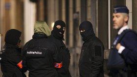 Belgická policie zadržela 12 lidí, podezřívá je z přípravy útoku.