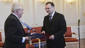 Prezident Miloš Zeman a expremiér Petr Nečas na Hradě. Dvojice na snímku z doby předávání demise