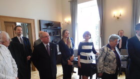 Václav Klaus předal cenu svého Institutu ekonomovi Dušanu Třískovi. Mezi hosty nechyběla Třískova dcera.