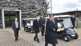 Prezident Miloš Zeman na exkurzi v Čapím hnízdě Andreje Babiše